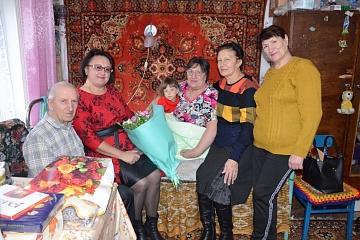 Русскожуравцы Татьяна Алексеевна и Иван Петрович Горяиновы отметили золотую свадьбу