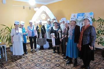 29 декабря в Центральной библиотеке прошло заседание клуба «Надежда» «Новый год отметим вместе танцем, юмором и песней»