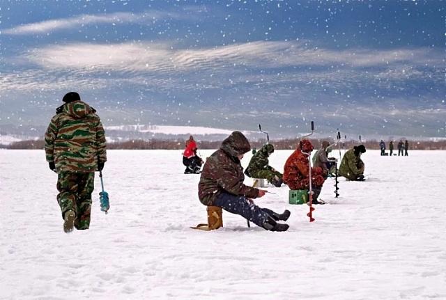 Памятка любителям зимней рыбалки (правила безопасности на льду)