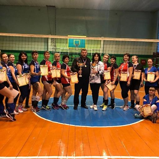 Открытый турнир по волейболу среди женских команд на кубок главы администрации с. Боринское Липецкого р-на