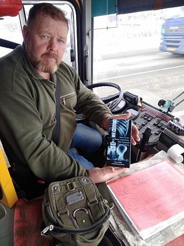 В Волжском районе сотрудники ГИБДД проверяют общественный транспорт на соответствие требованиям к пассажирским перевозкам