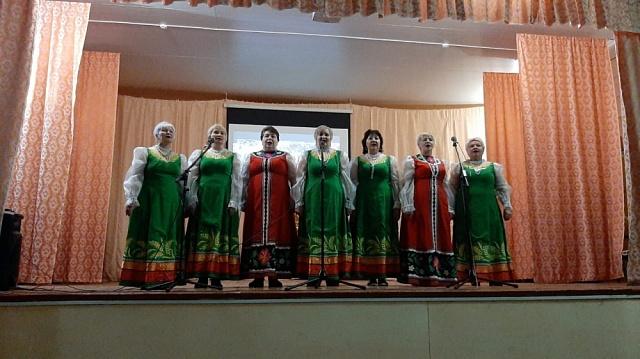7 марта в честь 8 марта в Комсомольском  Доме культуры  прошел праздничный концерт «Салют весне!», посвященный женскому дню