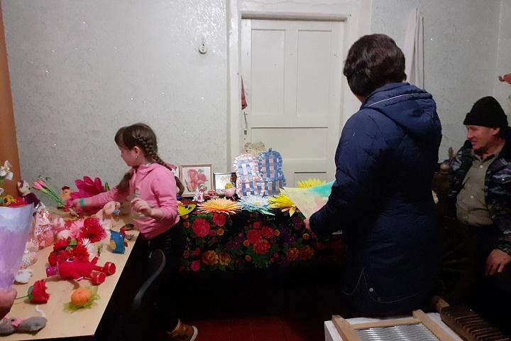 Фотоотчет  Семилукский сельский дом культуры 2020год. «Сюрприз для мамы!» Выставка детских работ.jpg