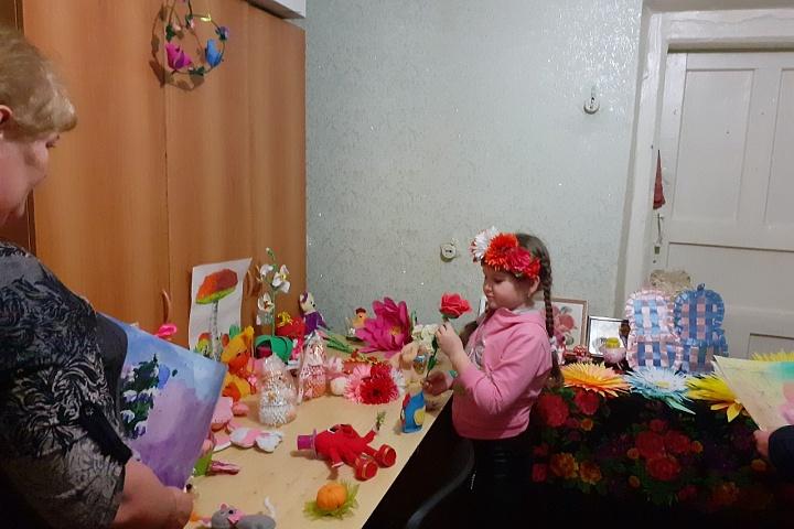 Фотоотчет  Семилукский сельский дом культуры 2020год. «Сюрприз для мамы!» Выставка детских работ (2).jpg