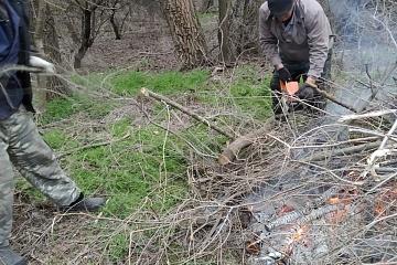Уборка прилегающей территории на Ленинском кладбище