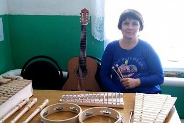 Поставка музыкальных инструментов