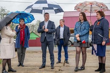 Александр Ефремов посетил поселок Мятлево Износковского района