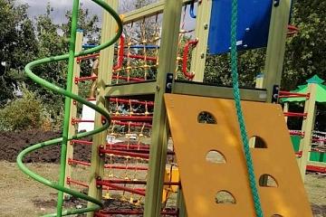 """В 2020 году ТОС """"Юность"""" реализовал проект: «Благоустройство детской площадки»"""