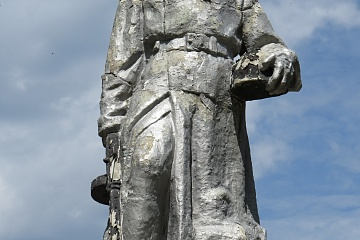 Замена скульптуры воина