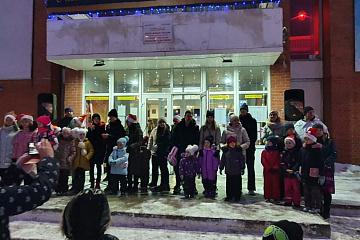 27 декабря 2020 года  в п. Товарково прошло торжественного открытия Главной Ёлки поселка