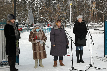 19 января Поселок Товарково отметил 79 лет со дня освобождения Дзержинского района и деревни Товарково от немецко-фашистских захватчиков.