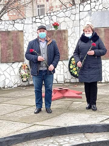 В Глебовском сельском поселении возложение цветов к Обелиску землякам, погибшим в годы ВОВ