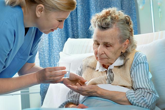 Упрощён порядок оформления выплат по уходу за инвалидами и пожилыми