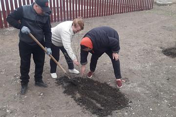В сельском поселении Летниково прошел субботник