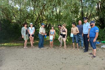 Полицейские и общественники проверили пляжи на обслуживаемой территории