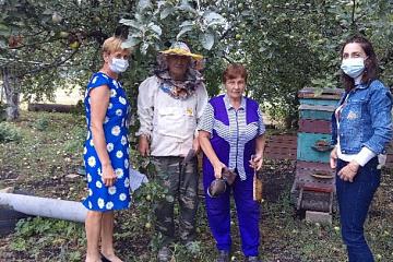 14 августа работники МКУК «Филиппенковский КДЦ» поздравили с праздником пчеловодов