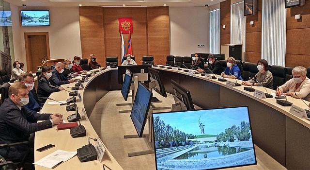 В областной Думе обсудили меры по сдерживанию заболеваемости COVID-19